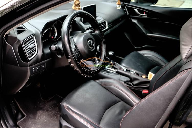 Thuê xe 4 chỗ Mazda 3