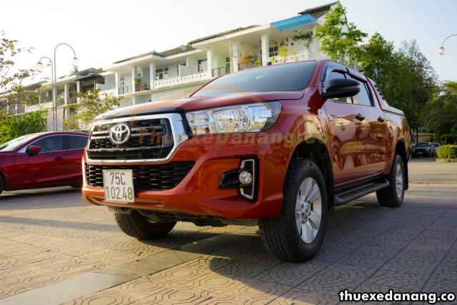 thuê xe bán tải Toyota Hilux 2 cầu tại đà nẵng