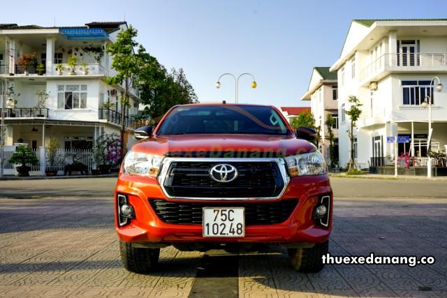 thuê xe bán tải Toyota Hilux tại đà nẵng