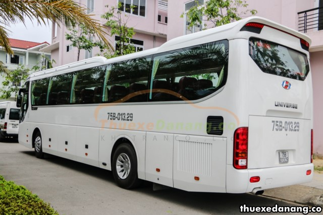 thuê xe đưa đón nhân viên tại đà nẵng Hyundai Universe
