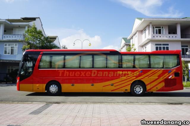 Thuê xe đưa đón nhân viên tại Đà Nẵng